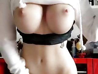 ngực lớn